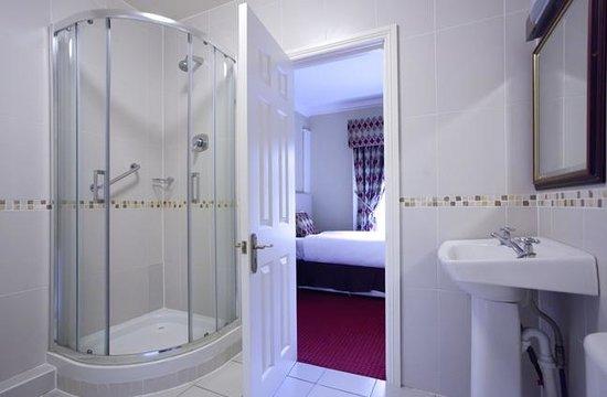 Stauntons on the Green: A Bathroom