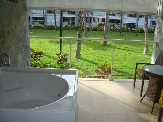 Barcelo Bavaro Palace Deluxe : ванная на террасе, класс!