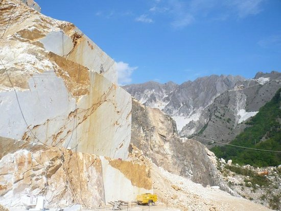 Marble Caves of Carrara : w