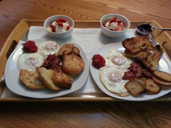 At The Beach Retreat: Breakfast Tray