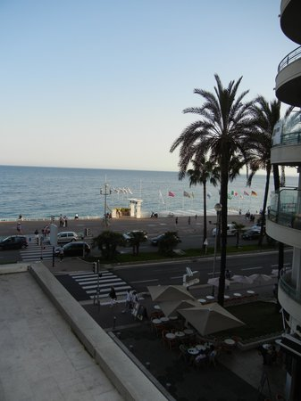 Mercure Nice Promenade des Anglais: View from balcony