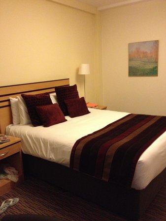 Gresham Hotel: Camera da letto