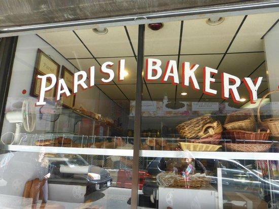 Parisi Bakery : Outside
