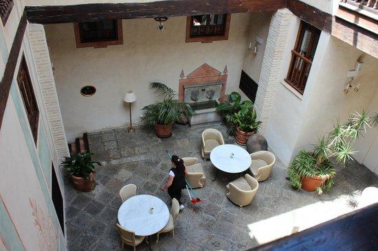 Hotel Casa 1800 Granada: Binnenplaatsje