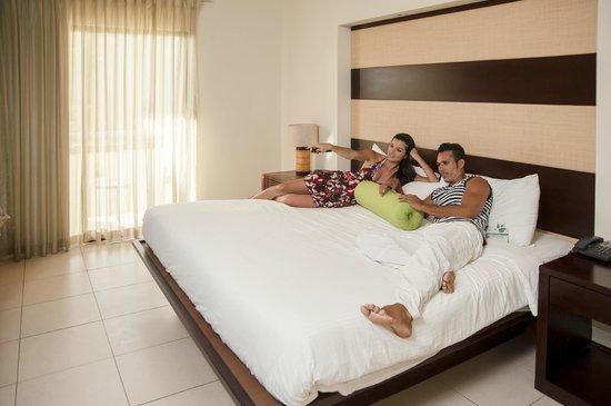Villas Sol Hotel & Beach Resort: Habitacion con cama King