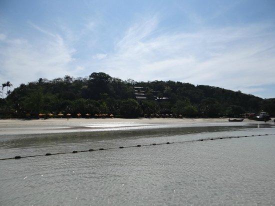 Zeavola Resort : El hotel desde la playa sin agua
