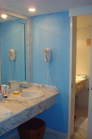 Club Med Sandpiper Bay : Bathroom