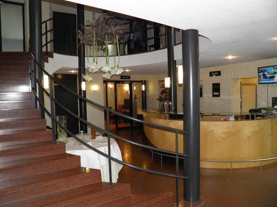 Bilderberg Kasteel Vaalsbroek : The foyer of the hotel area