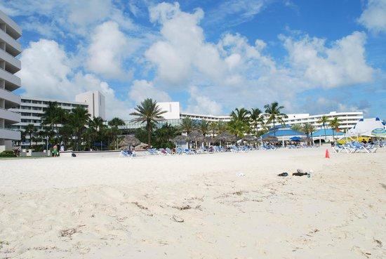 Melia Nassau Beach - All Inclusive : plage de cable beach