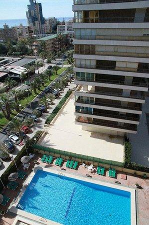 Hotel Castilla Alicante: La piscine de l'hôtel.