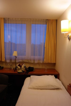 Qubus Hotel Legnica: Вторая кровать - раскладушка