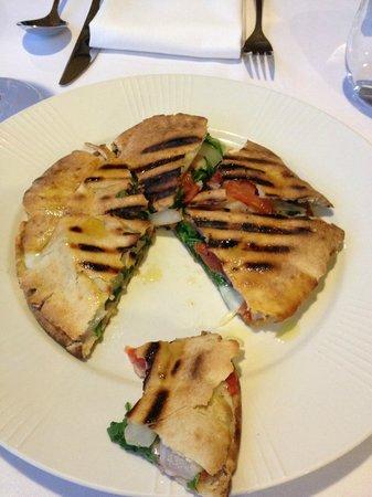 Da Filippo's: flat bread with onion, tomato, spinach and cheese