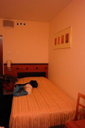 Qubus Hotel Legnica: Основная кровать