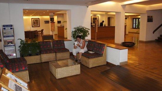 Casino Hotel: reception con zona wifi