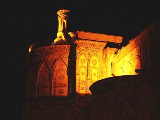 Locanda Re Ruggero : Blick auf die Apsis des Domes