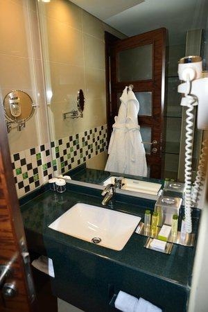 DoubleTree by Hilton Hotel Aqaba : Bad