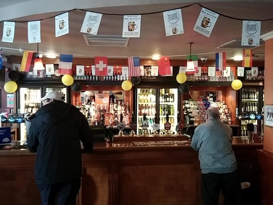 The Auctioneer: the bar