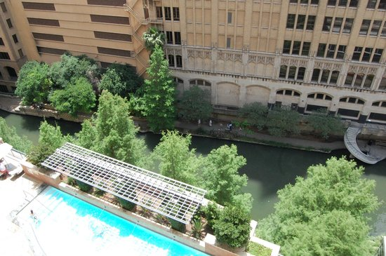 The Westin Riverwalk, San Antonio: View of Riverwalk from room