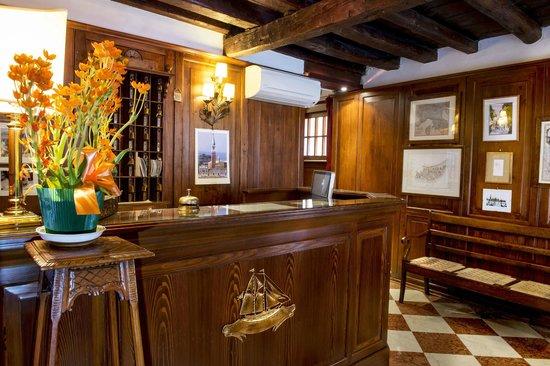 Hotel Agli Alboretti: Reception