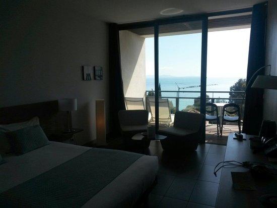 Hotel Les Terrasses du Bailli : Chambre balcon