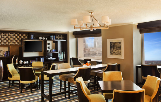 Sheraton Austin at the Capitol: Club Lounge