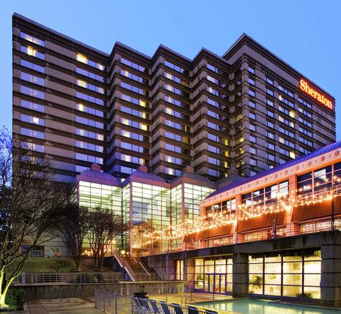 Sheraton Austin at the Capitol: Hotel Exterior