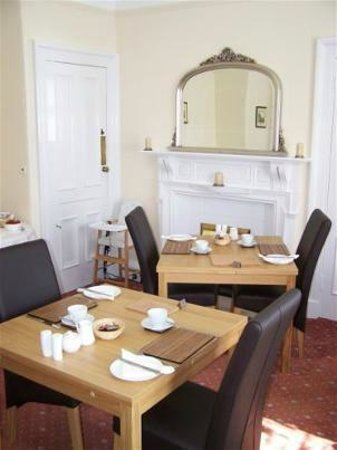 Lindores Guest House: Dining Room