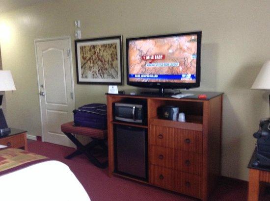BEST WESTERN Plus Layton Park Hotel: Entertainment Center