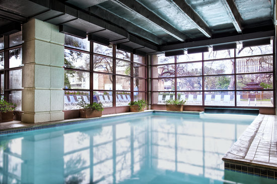 Sheraton Austin at the Capitol: Indoor Swimming Pool