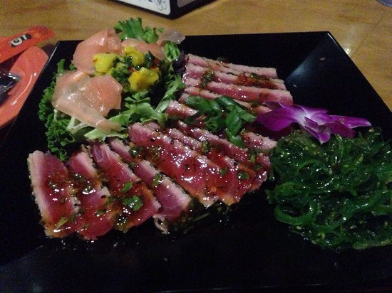Spinnaker Beach Club: Very good excellent tuna sushi