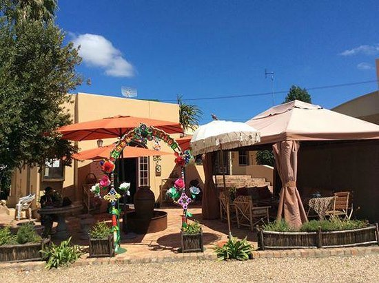 Pure Cafe Greyton : Pure Cafe front view