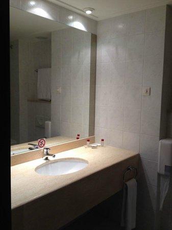 angelo by Vienna House Bucharest: Bathroom 2
