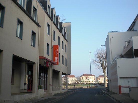 Ibis Montlucon : Rustig straatje naast het hotel