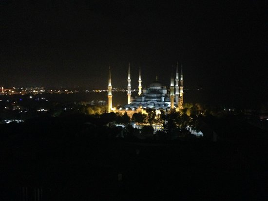 Hotel Arcadia Blue: From the upper floors, you can see all of Istanbul and, here, the Blue Mosque.