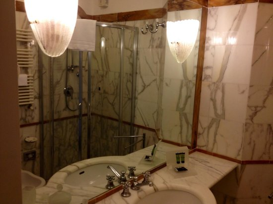 Hotel Il Negresco: Bagno camera 1 piano