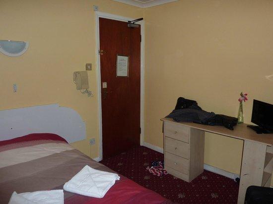 Enrico Hotel : Chambre double (213) avec salle de bain commune