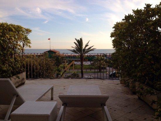Hotel Il Negresco: Vista dal terrazzo della camera al 1 piano