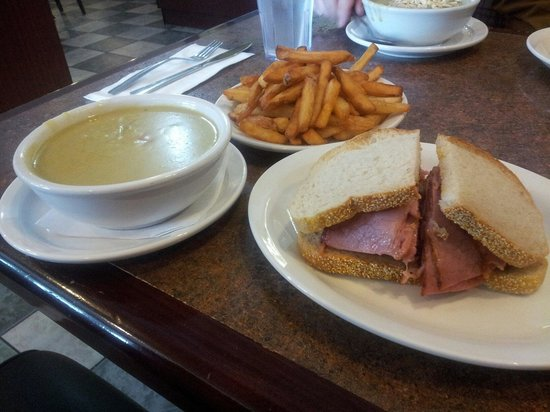 Angel's Diner : The best Montreal smoked meat since Swartzs in Montreal. Maria the owner is a real sweetheart. G