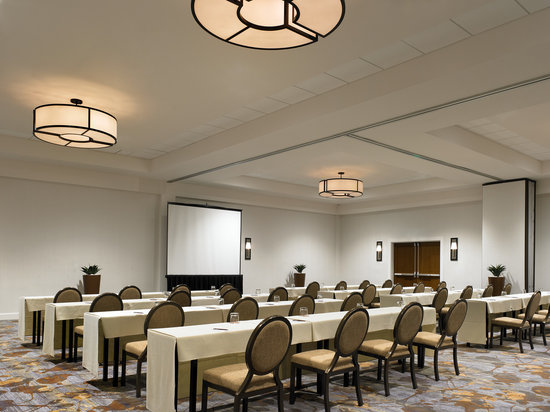 Sheraton Dallas Hotel by the Galleria : Meeting Room Classroom Style