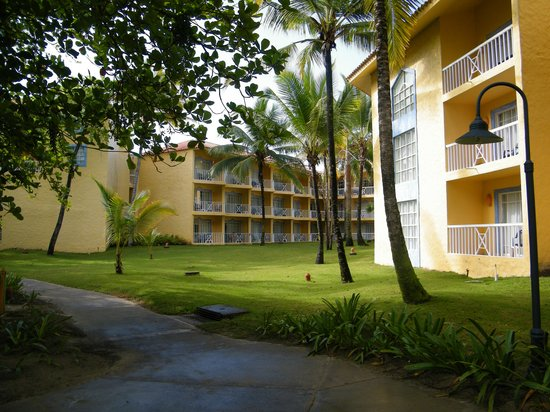 VH Gran Ventana Beach Resort: Catalina building from the outside