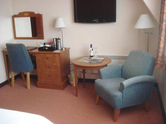 Best Western Plus Cedar Court Hotel: Cedar Court Hotel -  Room Interior 2