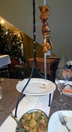 Eira do Serrado Hotel & SPA : une espetada régionale servi au restaurant