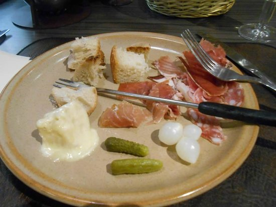 Le Freti: Charcuterie to go with the fondue.