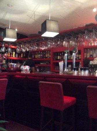 Aberdeen Steak House: bar area