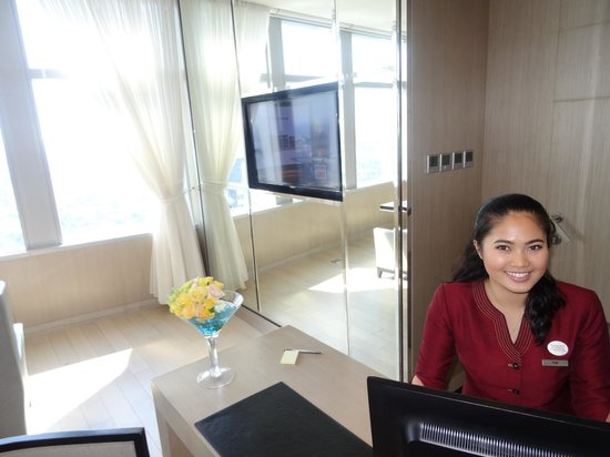 Bangkok Marriott Hotel Sukhumvit: Executive club lounge - wonderful staff