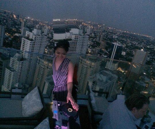 Bangkok Marriott Hotel Sukhumvit: Rooftop venue DJ