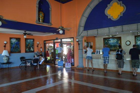 Hotel Riu Lupita: lobby