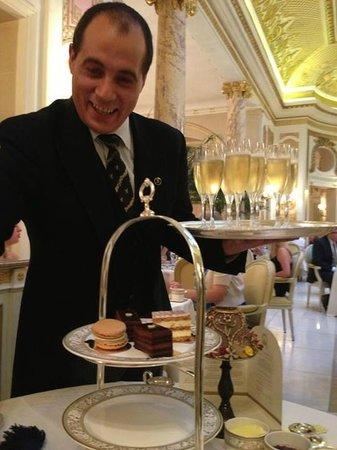 Afternoon Tea : Com champagne..toda diferença