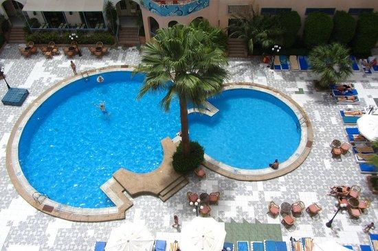 Triton Empire Inn: The Pool