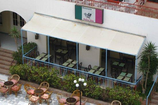 Triton Empire Inn: one of the restaurants for dinner only